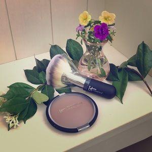 Brand New It Cosmetics Bronzer ☀️